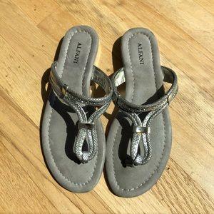 Silver Alfani flat sandals thongs